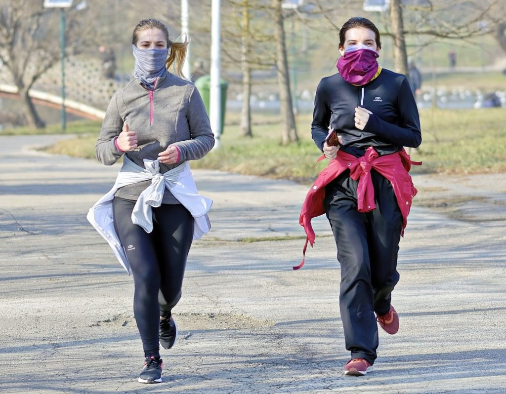Training with the proper face mask for running is key!